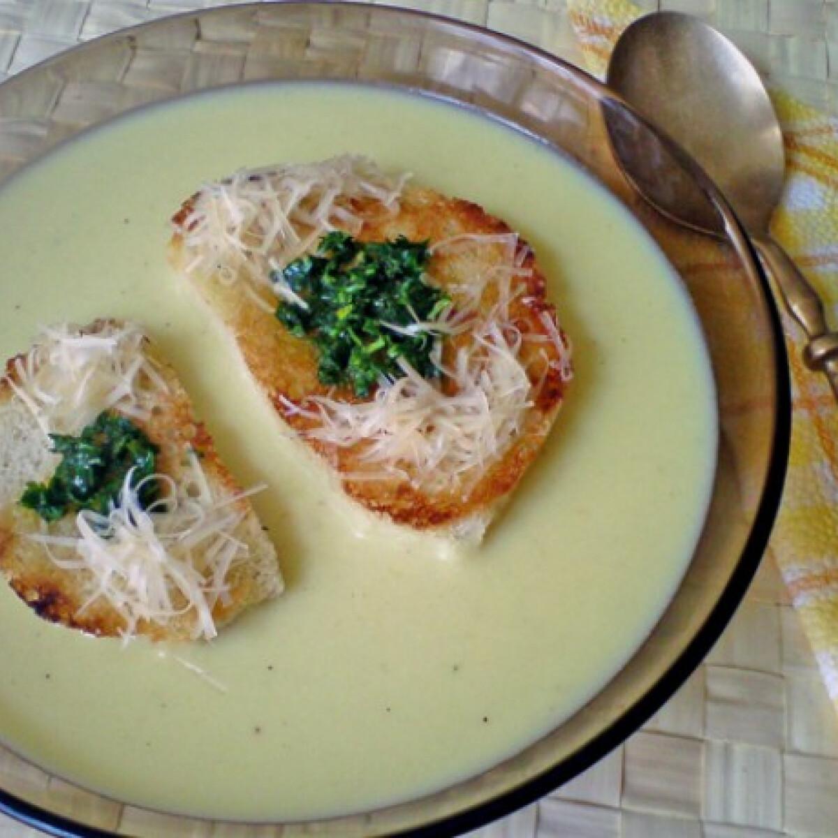 Ezen a képen: Allgäui sajtleves
