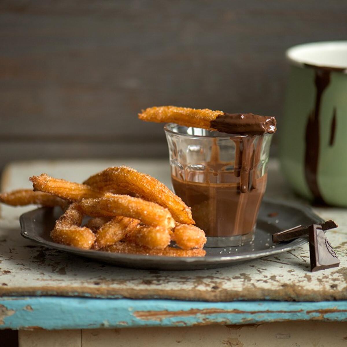 Ezen a képen: Churros forró csokival
