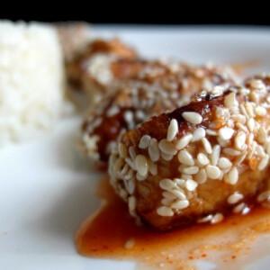 Édes-savanyú szezámmagos csirke