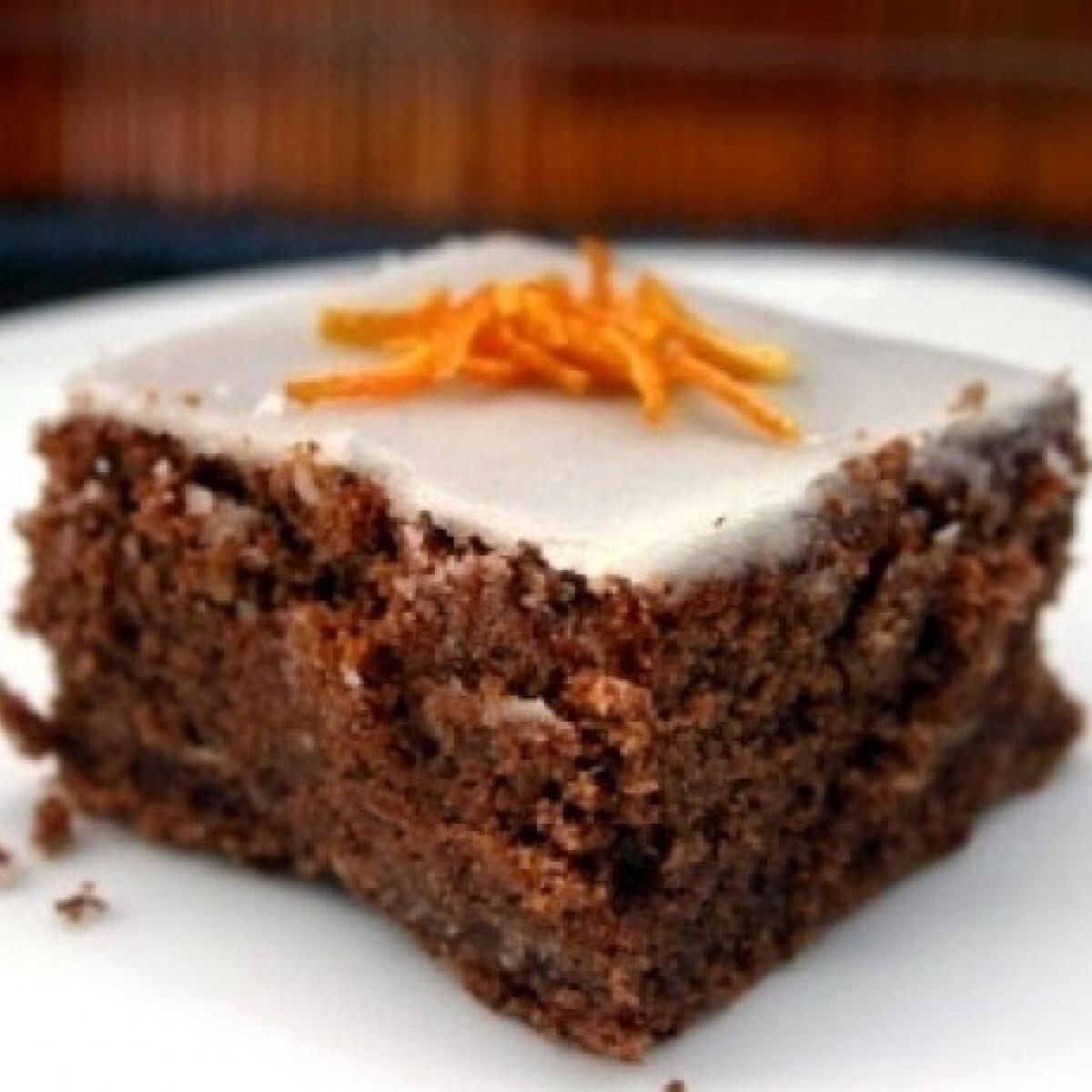 Ezen a képen: Mandulás-csokis sütemény