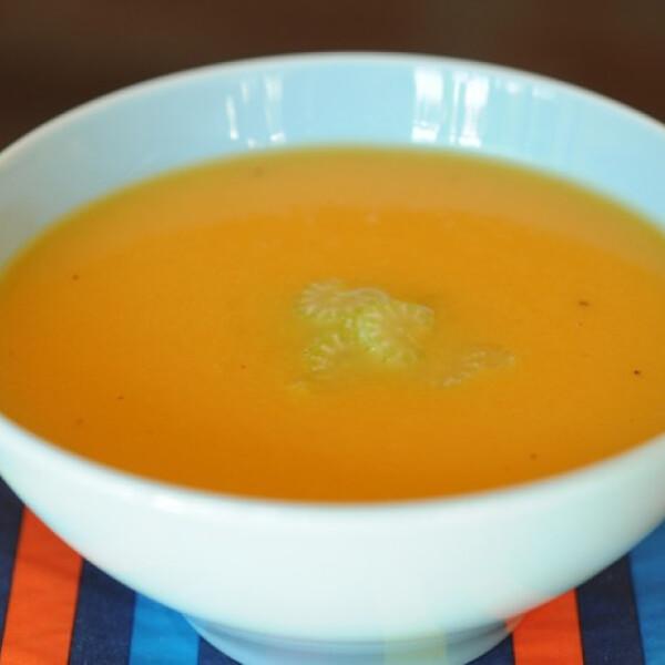 Almás-zelleres édesburgonya-leves