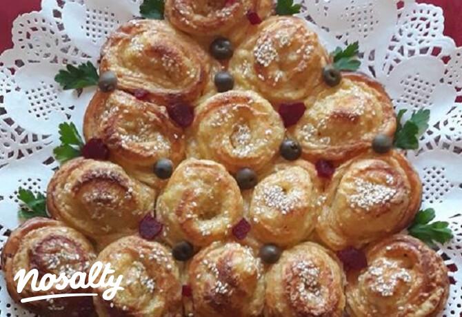 Vajas-sajtos csigából karácsonyfa - Nosalty
