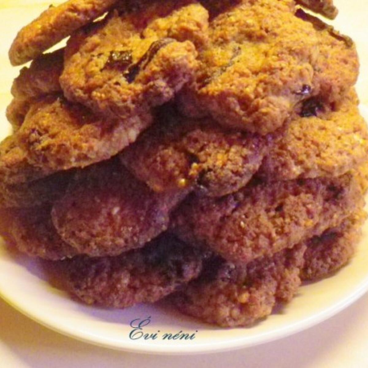 Ezen a képen: Aszalt szilvás keksz