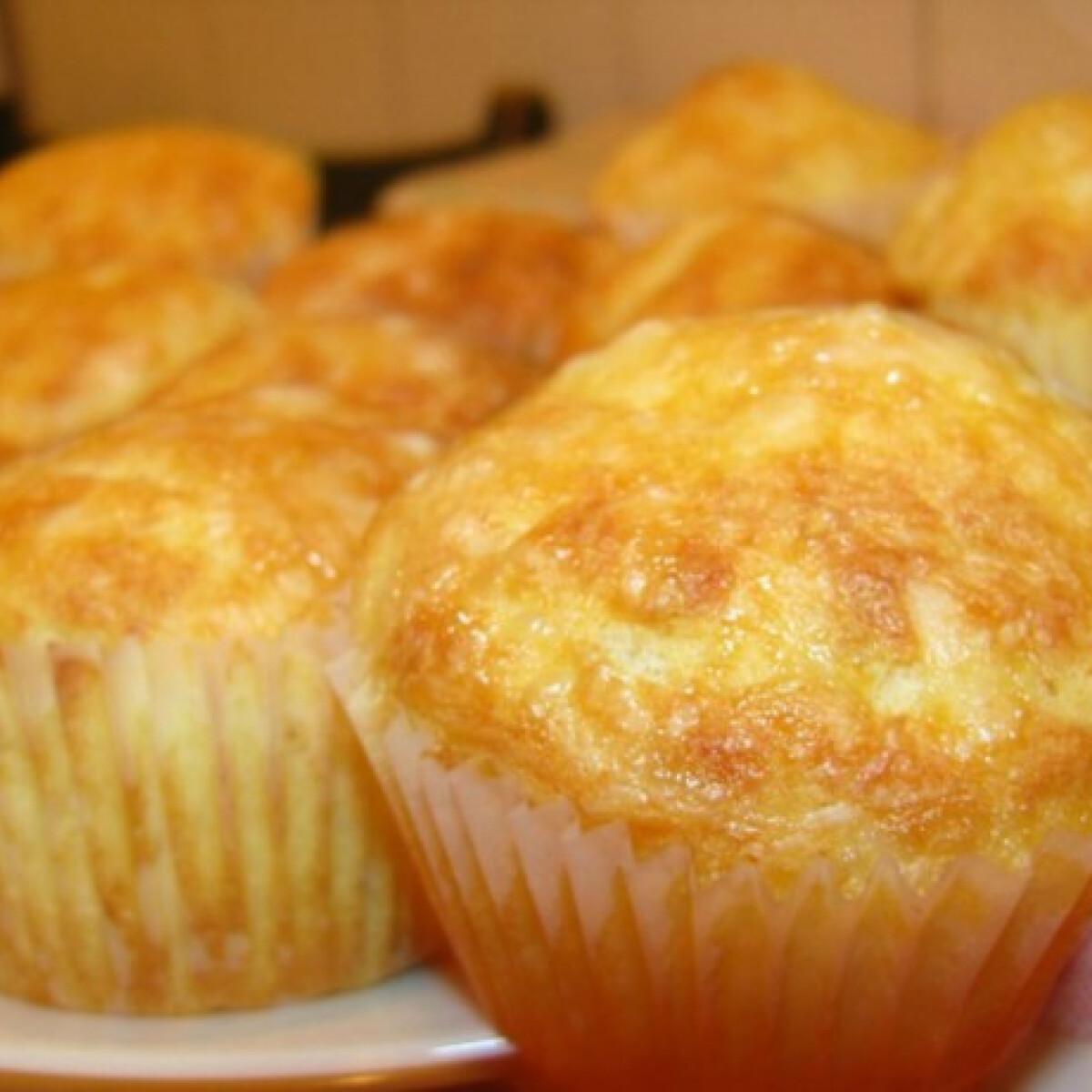 Ezen a képen: Sajtos-túrós krumplis muffin