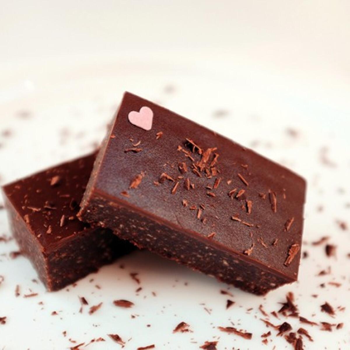 Csokis-kekszes vendégváró szelet