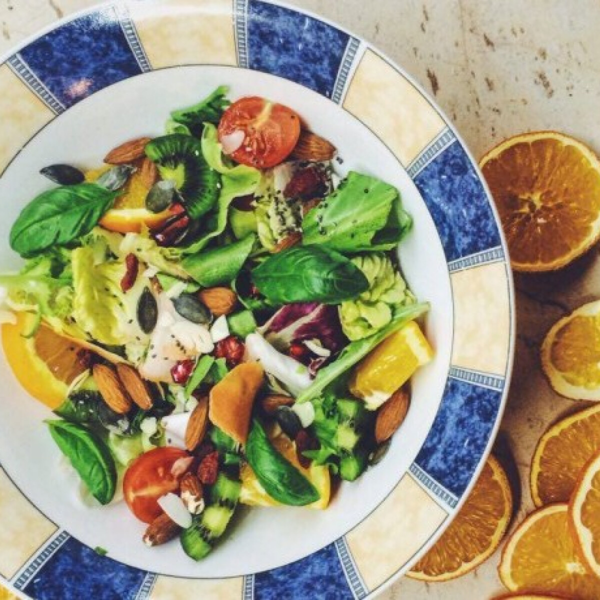 Ezen a képen: Téli vitaminsaláta