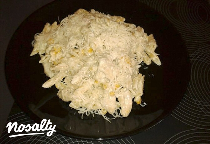Ezen a képen: Tejszínes-kukoricás csirkemell tésztával