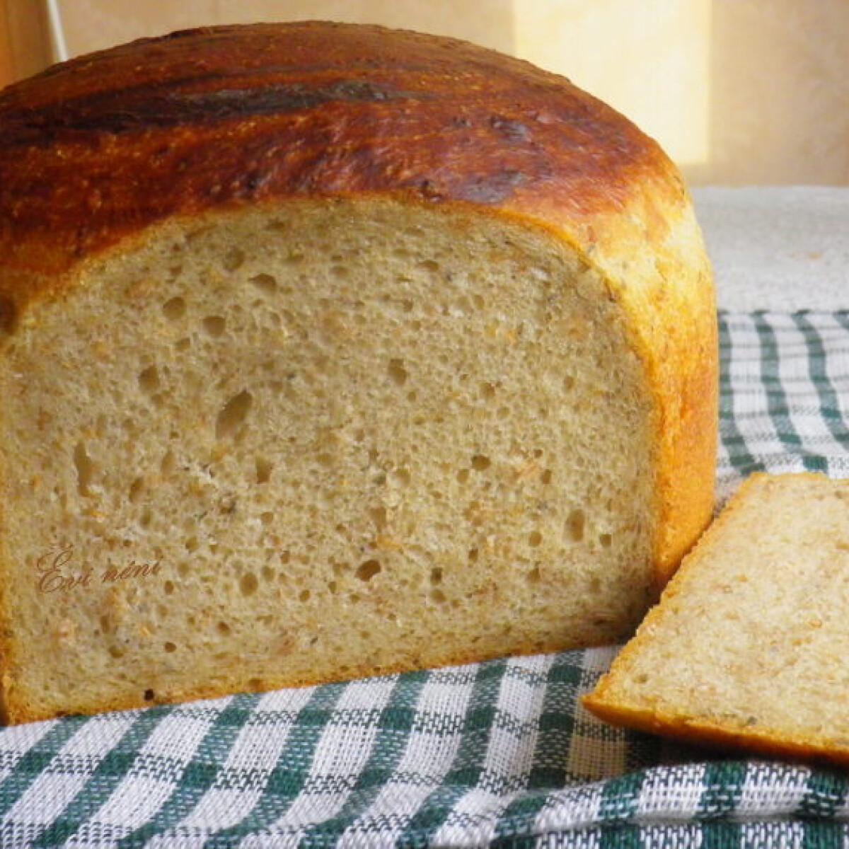 Ezen a képen: Rozsos kovászos kenyér Évi nénitől