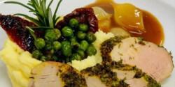 Zöldfűszeres sertésszűz zelleres burgonyapürével