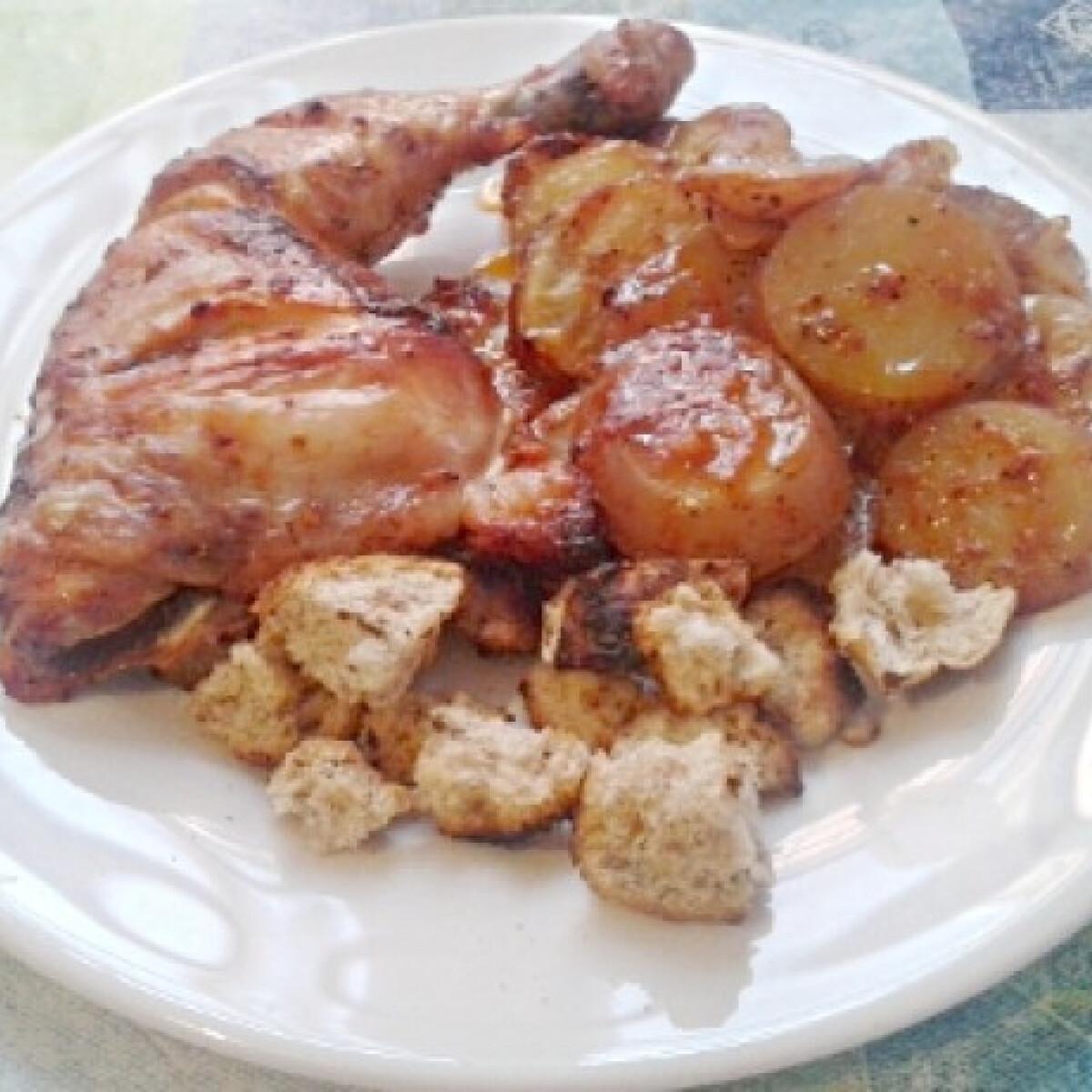 Ezen a képen: Magyaros csirkecomb vele sült krumplival