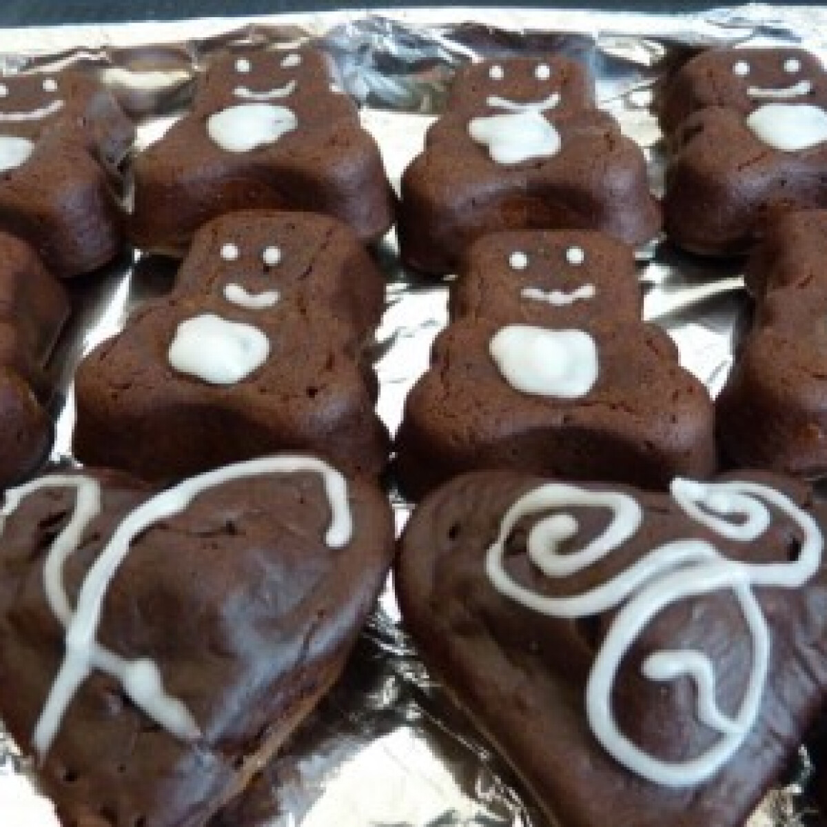 Csokis-meggyes maci muffin citrommázzal