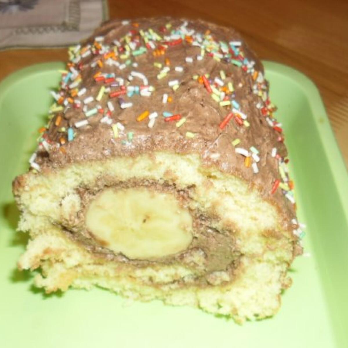 Ezen a képen: Csokikrémes banános tekercs