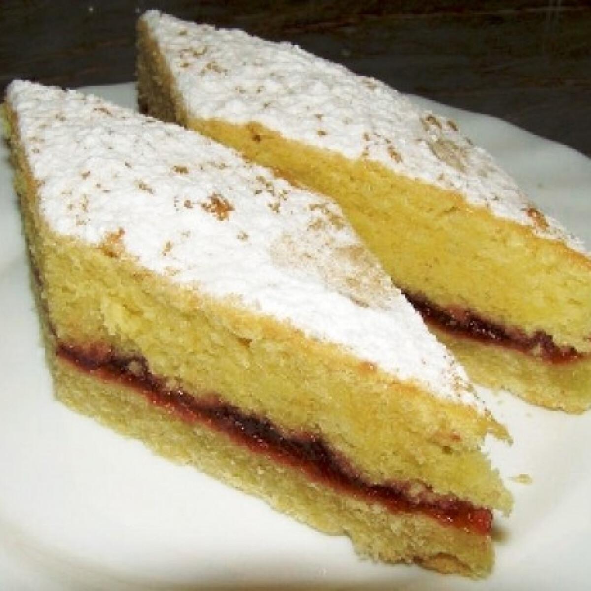 Ezen a képen: Omlós kevert sütemény