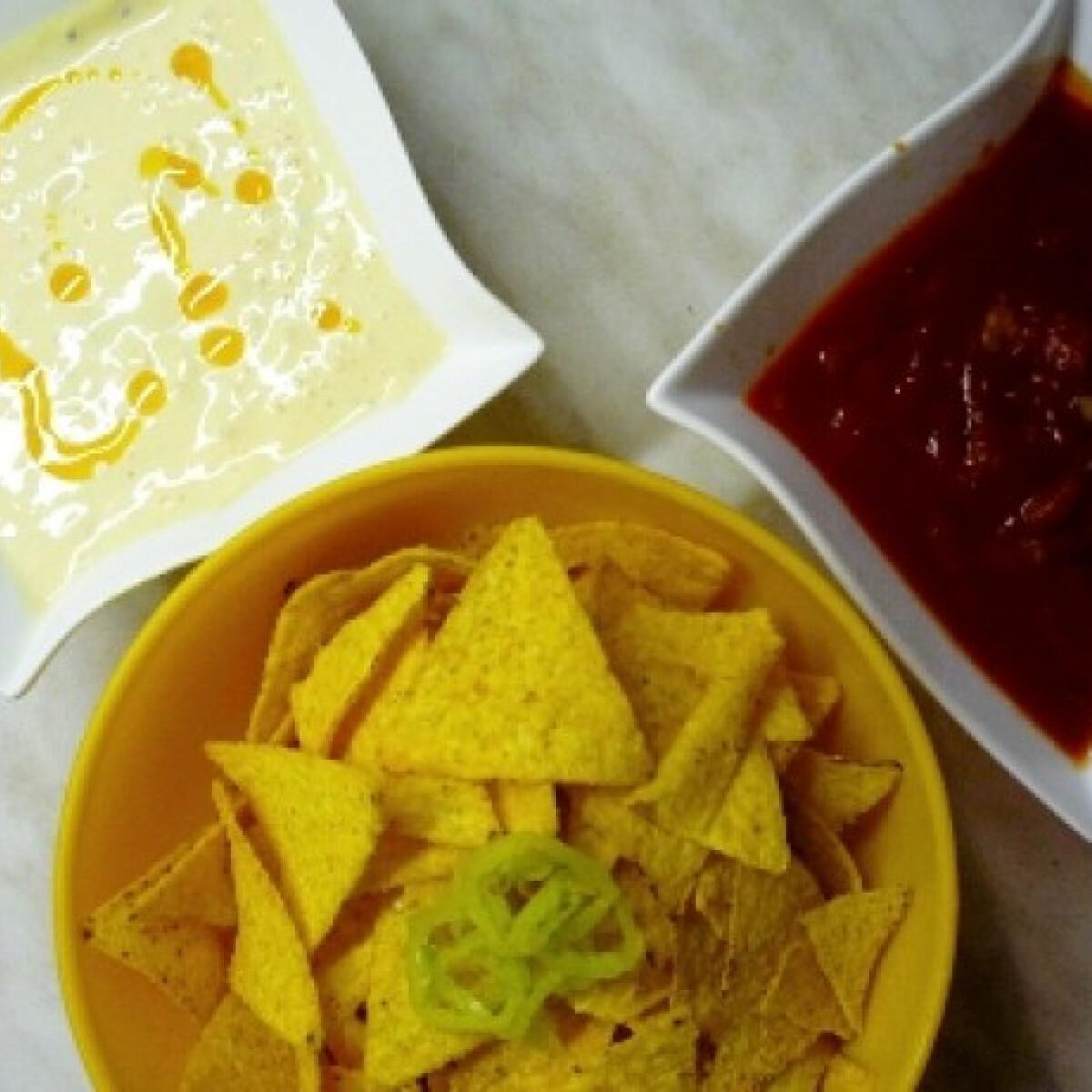 Ezen a képen: Sajtos és paprikás dip tortillához
