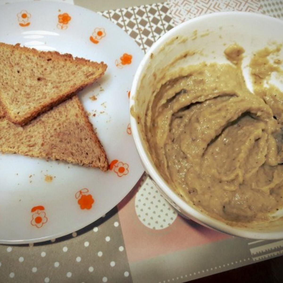 Ezen a képen: Mustáros padlizsánkrém Fanta konyhájából