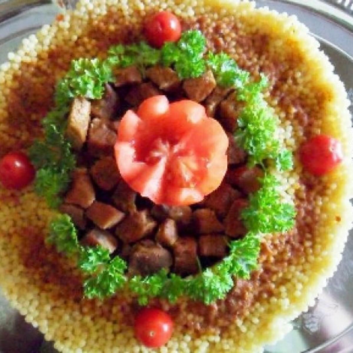 Ezen a képen: Sertéspörkölt tortaformában készítve
