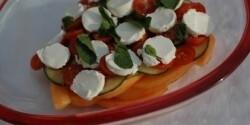 Sárgadinnye saláta kecskesajttal