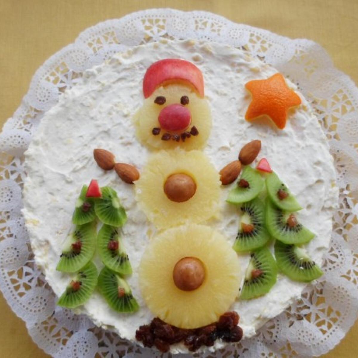 Ezen a képen: Karácsonyi almás-gesztenyés torta