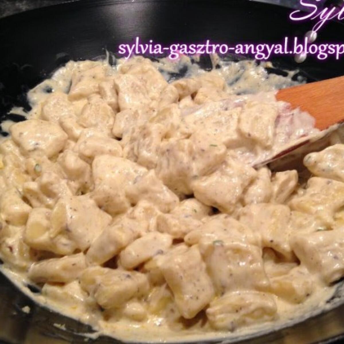 Ezen a képen: Szarvasgombás gnocchi Sylvia Gasztro Angyal konyhájából
