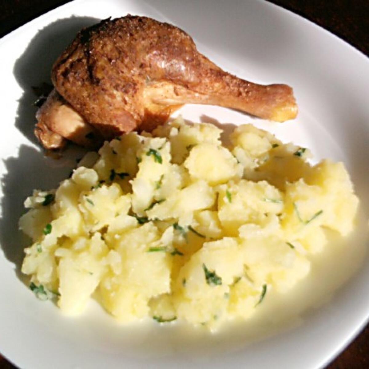Töltött csirkecomb petrezselymes krumplival