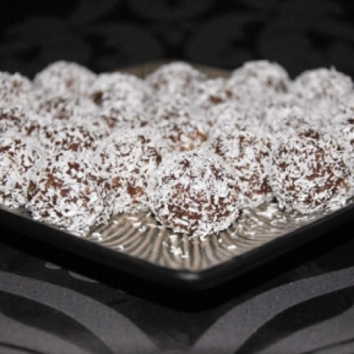 Ezen a képen: Pina Chocolada golyók