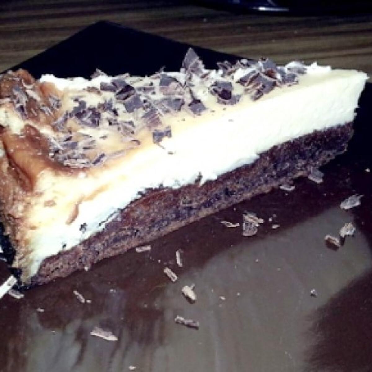 Ezen a képen: Brownie-cheesecake