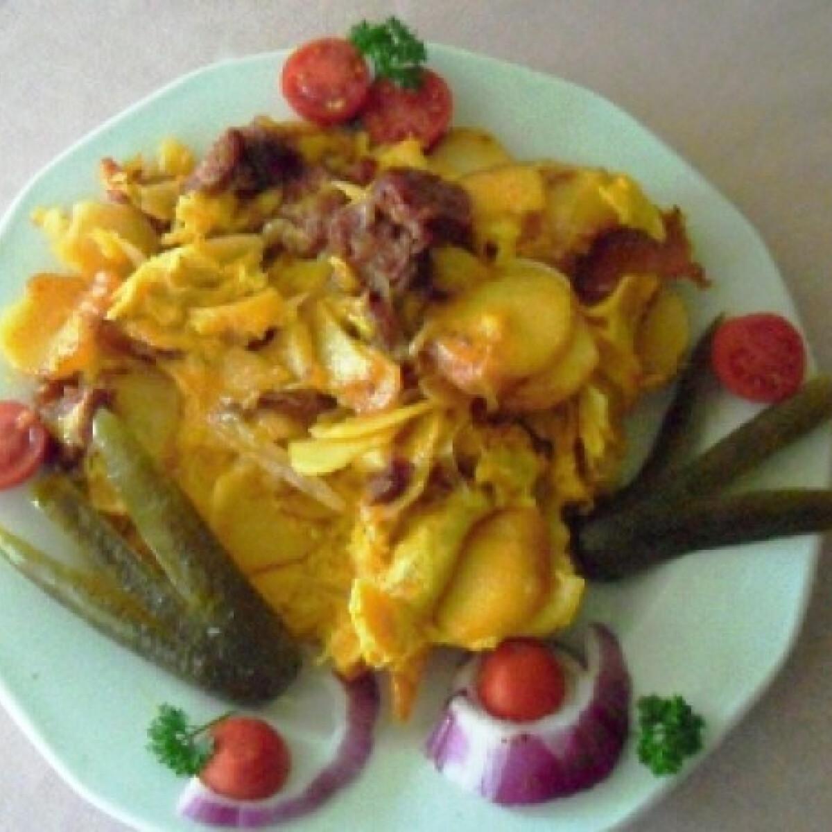 Krumplis-kolbászos omlett