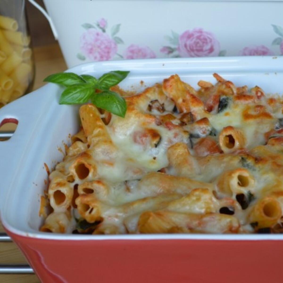Ezen a képen: Csőben sült zöldséges tészta mozzarellával