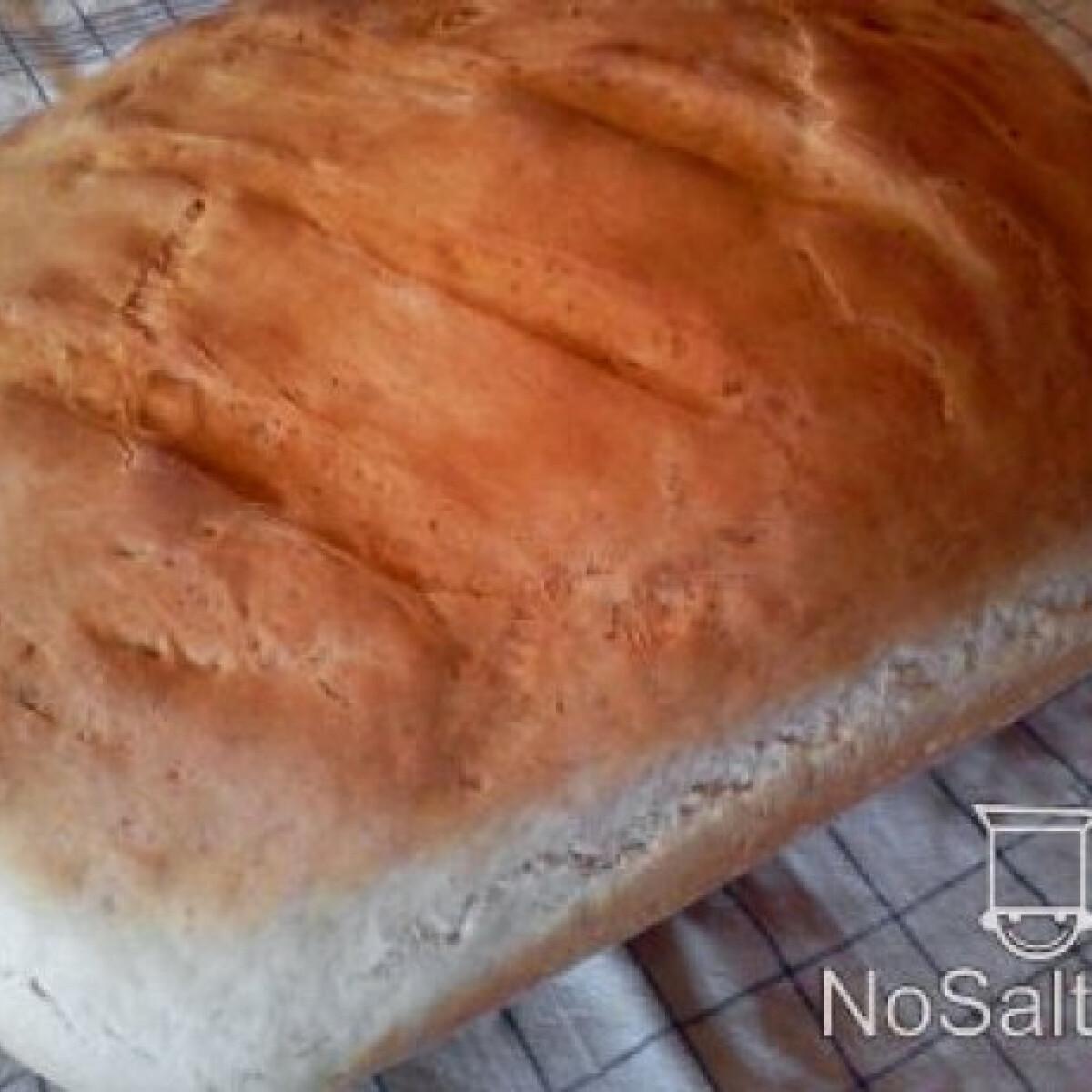 Ezen a képen: Sütőporos-élesztős házi kenyér