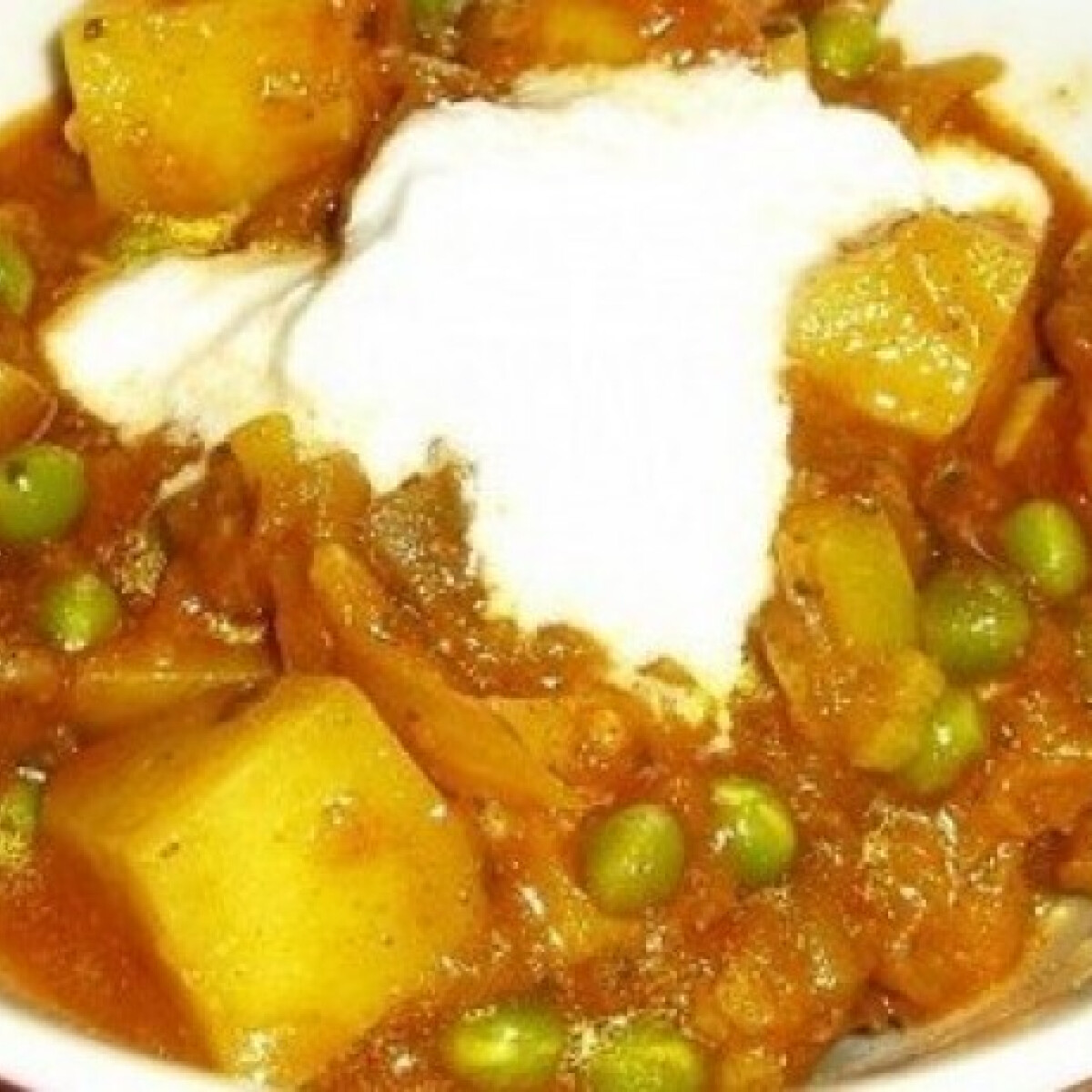 Ezen a képen: Padlizsános-krumplis curry