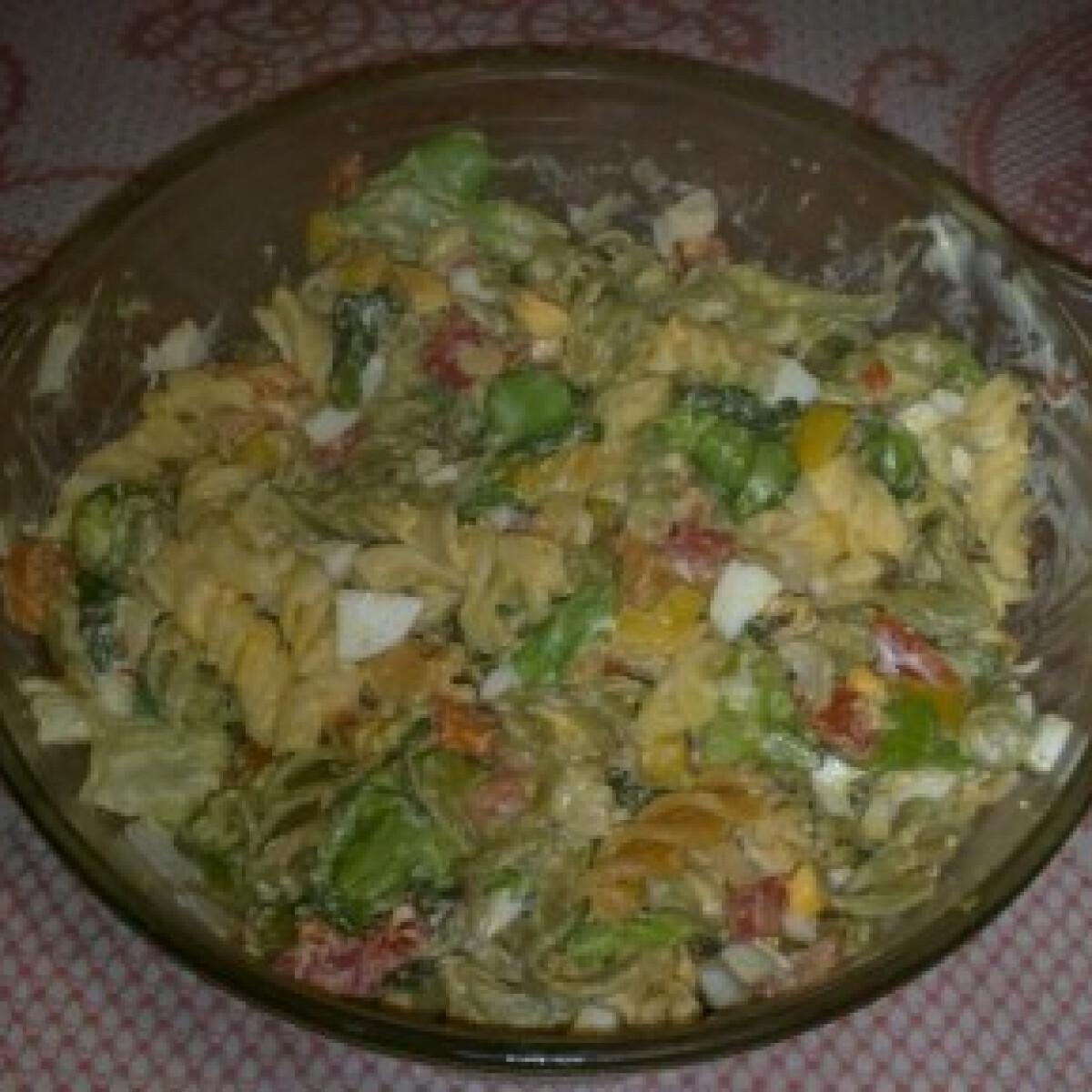 Ezen a képen: Majonézes-zöldséges tésztasaláta 2.