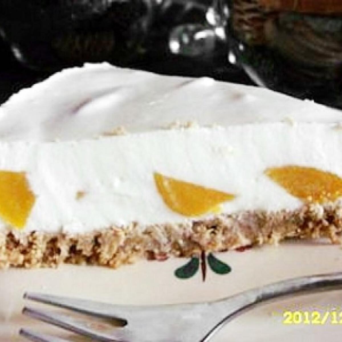 Ezen a képen: Joghurttorta sárgabarackkal sütés nélkül