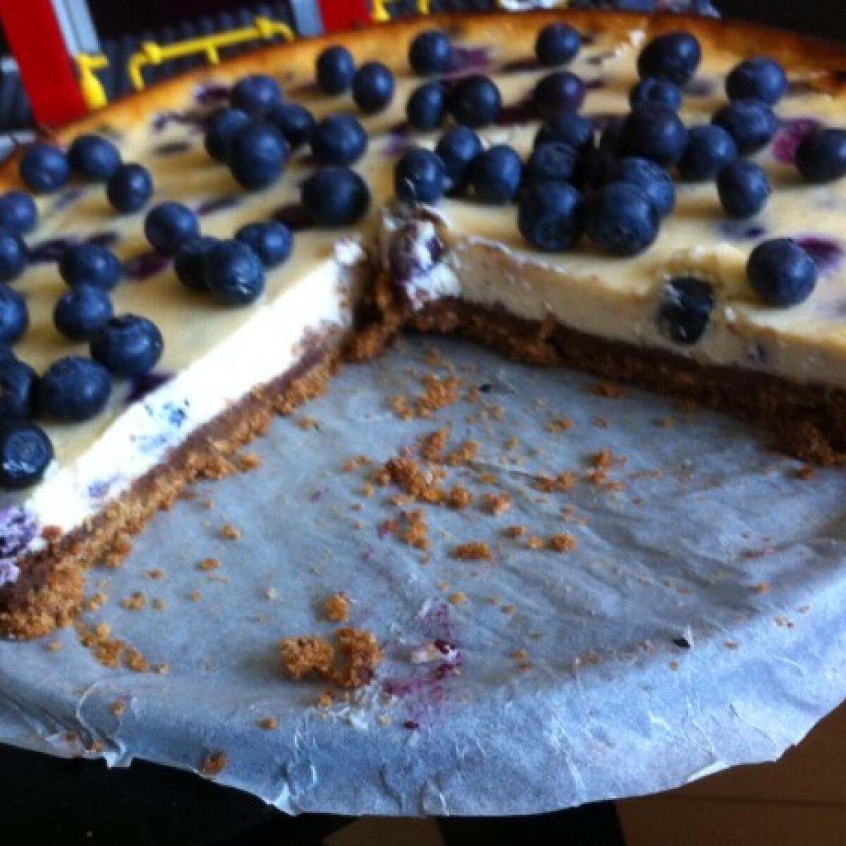 Ezen a képen: Áfonyás cheesecake Zsuzscitól