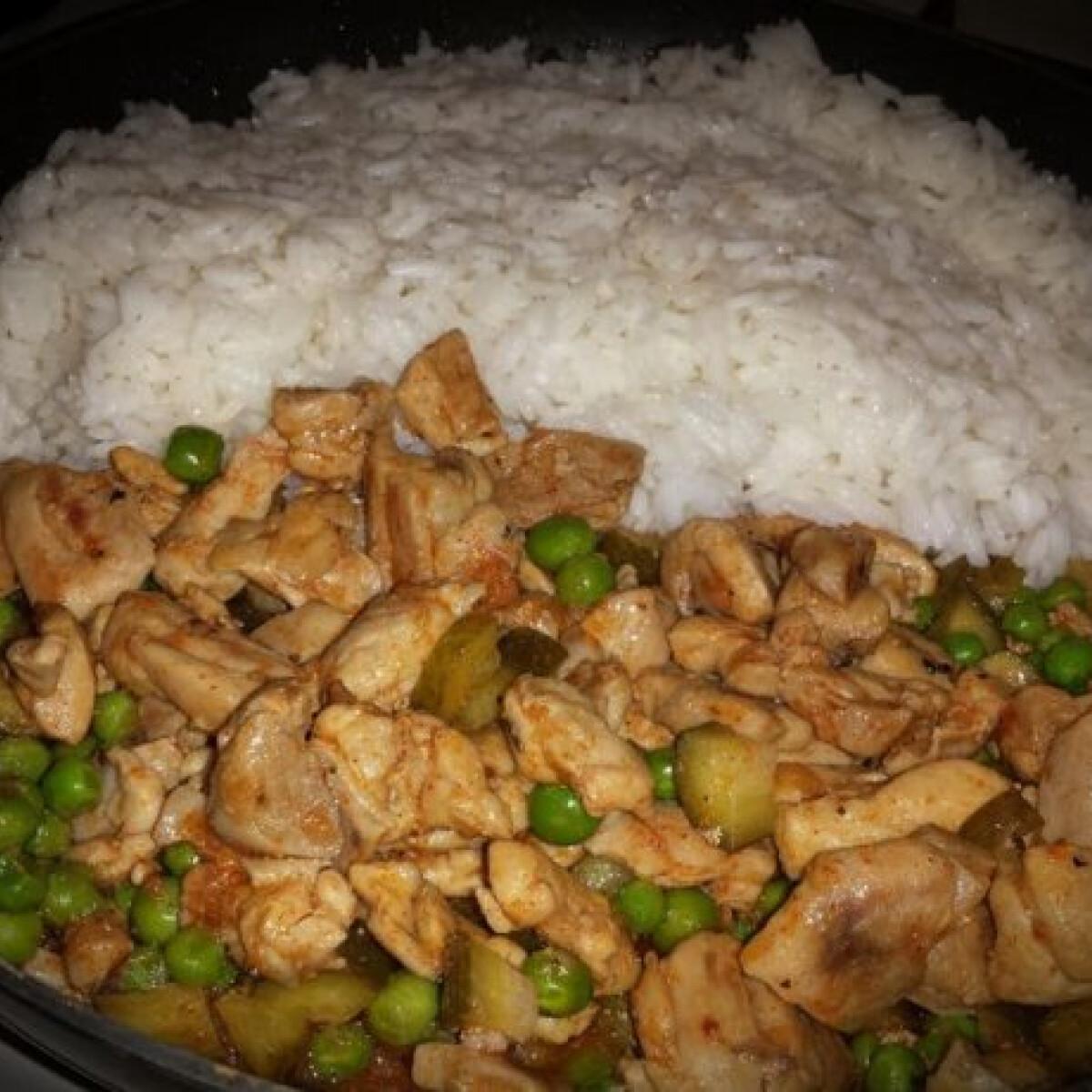 Zöldborsós csirke rizzsel
