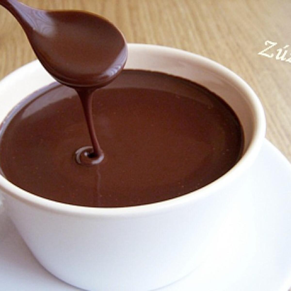 Ezen a képen: Csokoládészósz