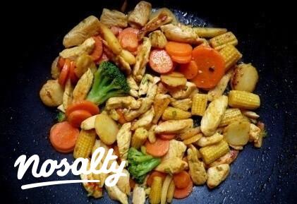 Ezen a képen: Gyors wok-vacsora
