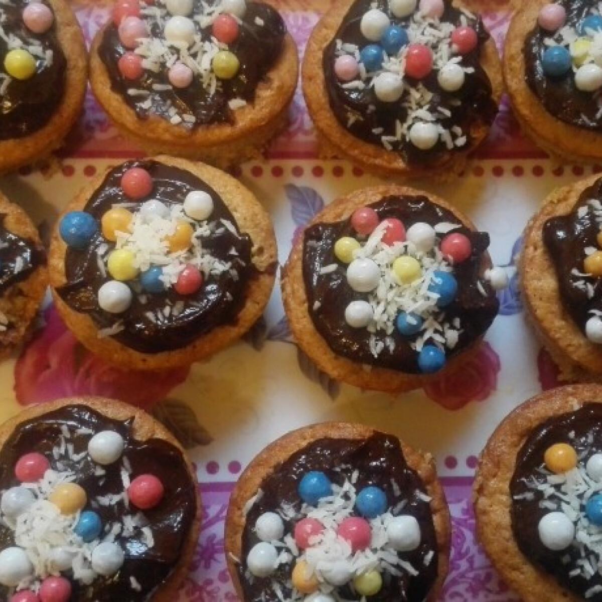 Ezen a képen: Nyami muffin
