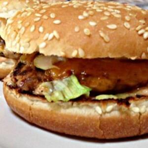 Hamburger fűszeres marhahússal