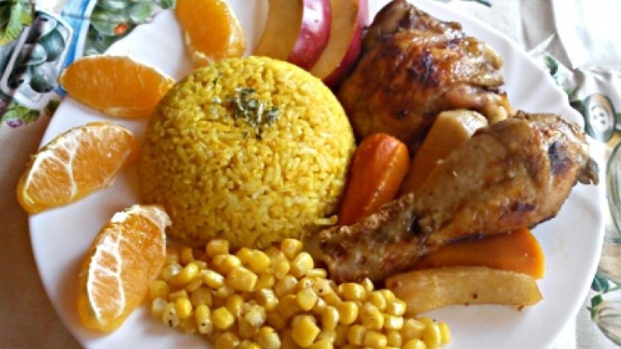 Gyümölcsös csirke curry-s rizzsel