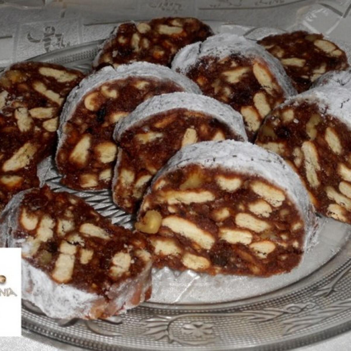 Ezen a képen: Csokis-kekszes szalámi