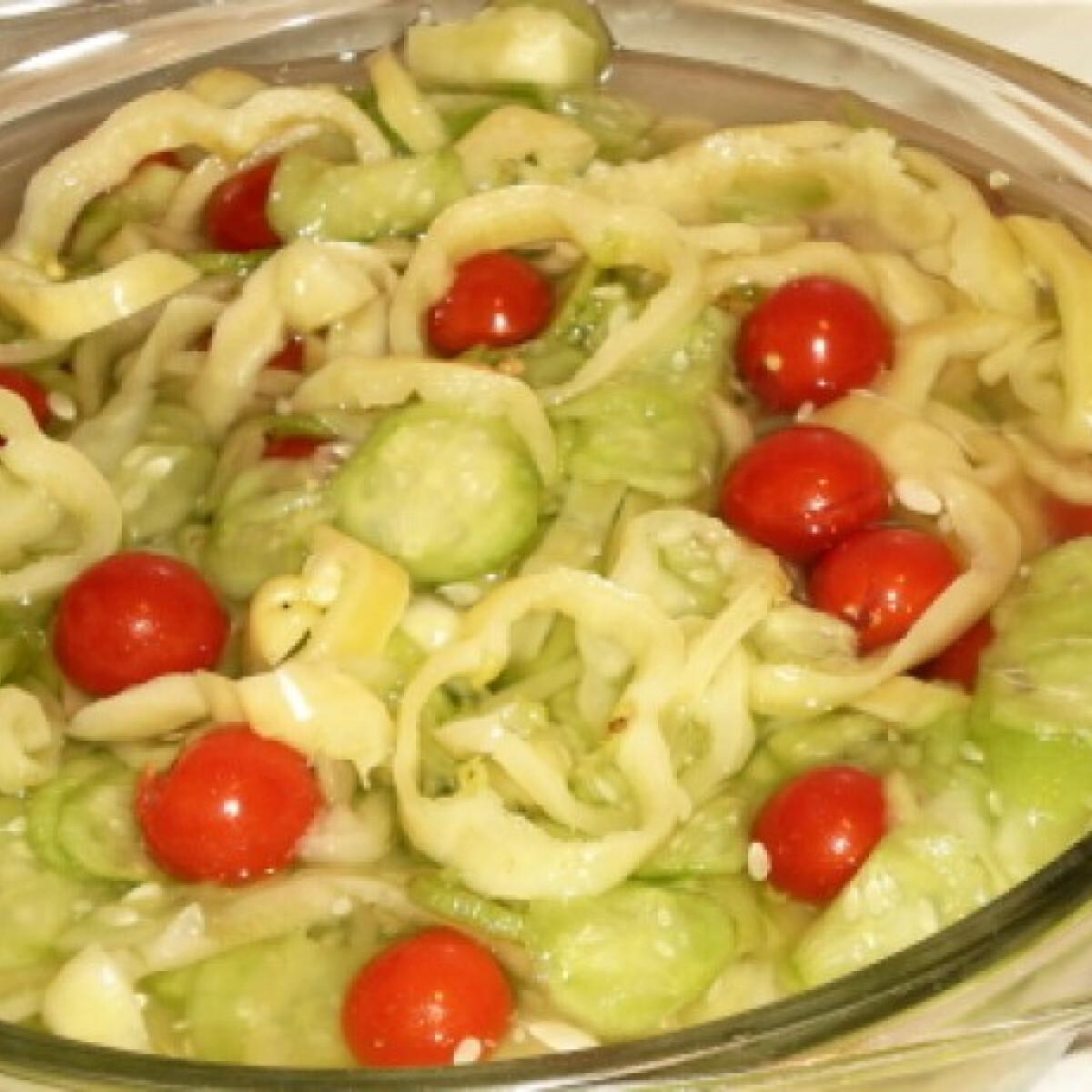 Ezen a képen: Nyári saláta pezo konyhájából