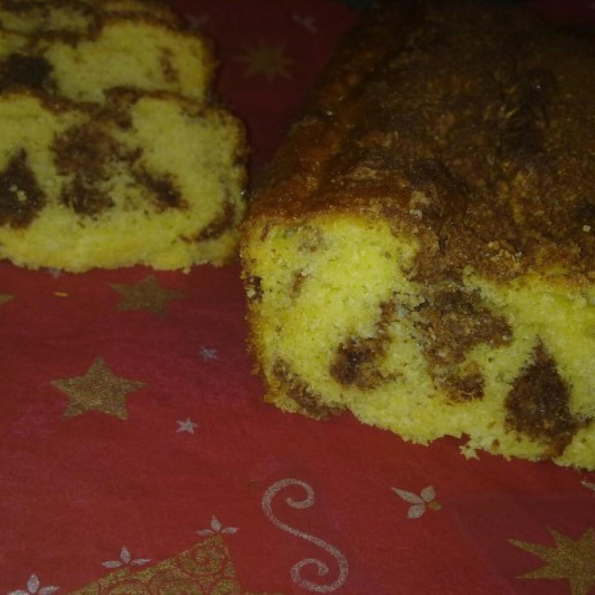 Ezen a képen: Fahéjas-kókuszos kenyérsüti