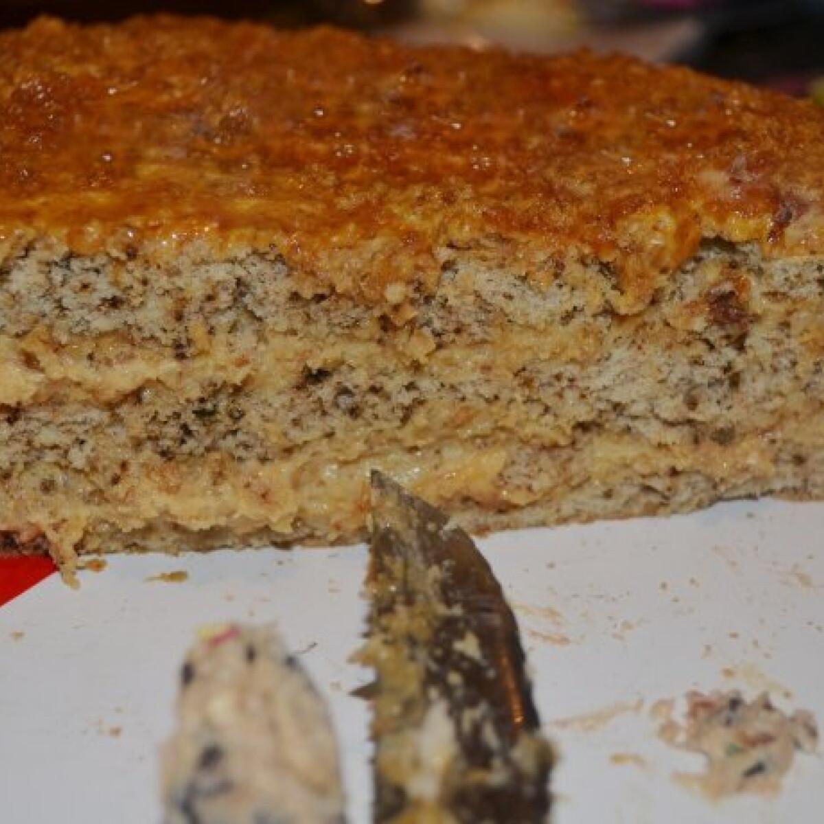Ezen a képen: Grillázskrém torta