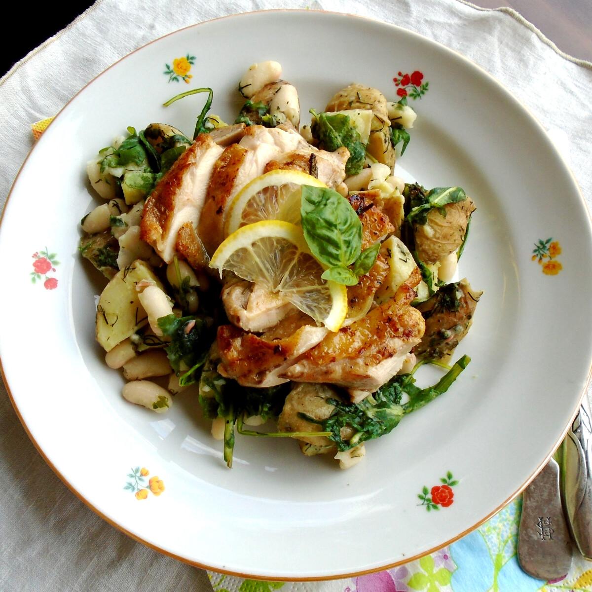 Ezen a képen: Babos újburgonya citromos csirkével