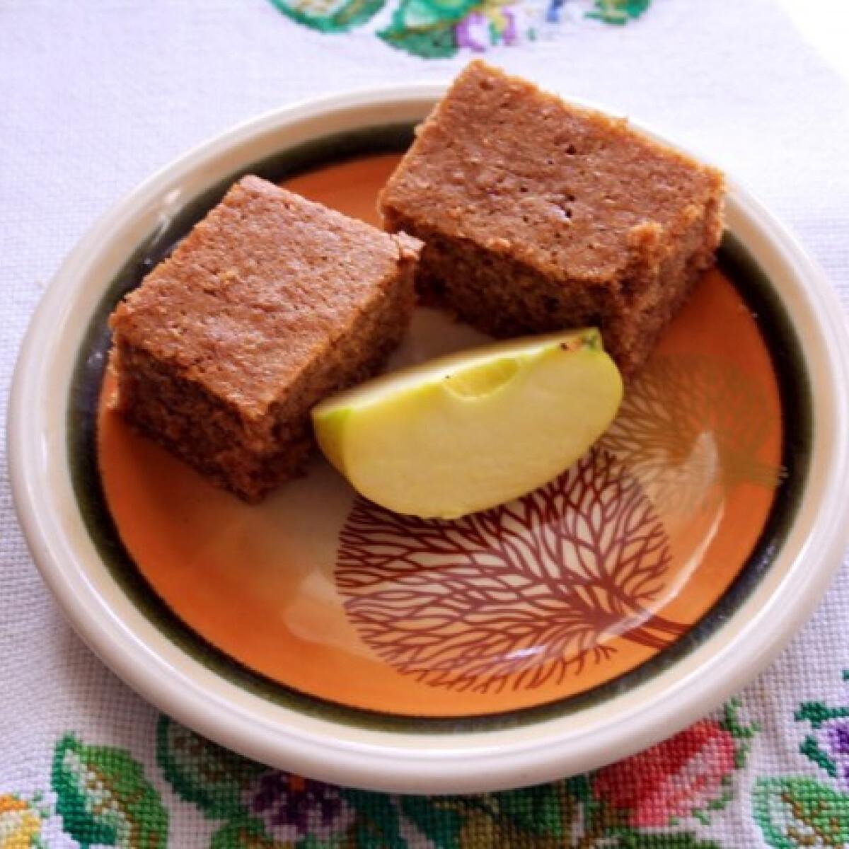 Ezen a képen: Cideres-fahéjas sütemény