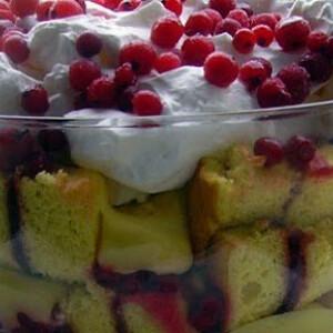 Ribizlis trifle