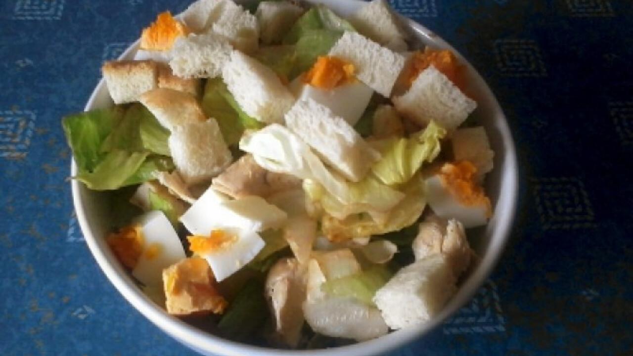 Fehérjedús saláta