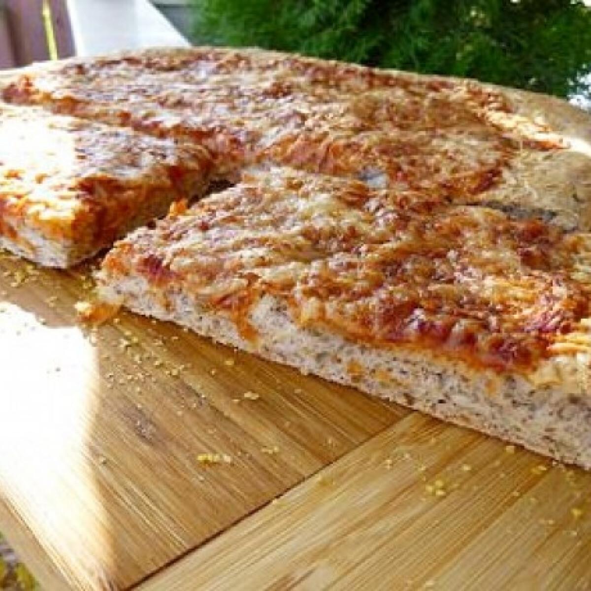 Ezen a képen: Éjjel-nappalis pizza