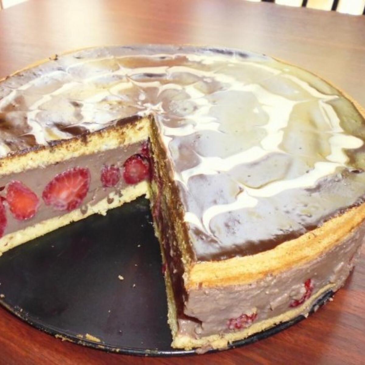 Ezen a képen: Gyümölcsös torta Bombától