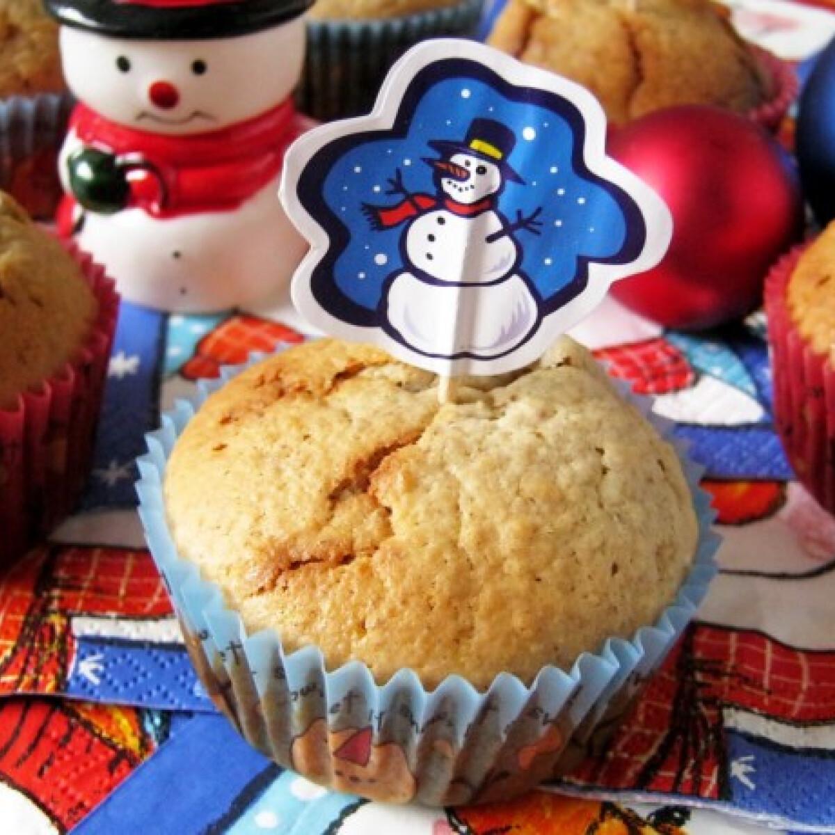 Ezen a képen: Mézeskalács muffin Flóra konyhájából